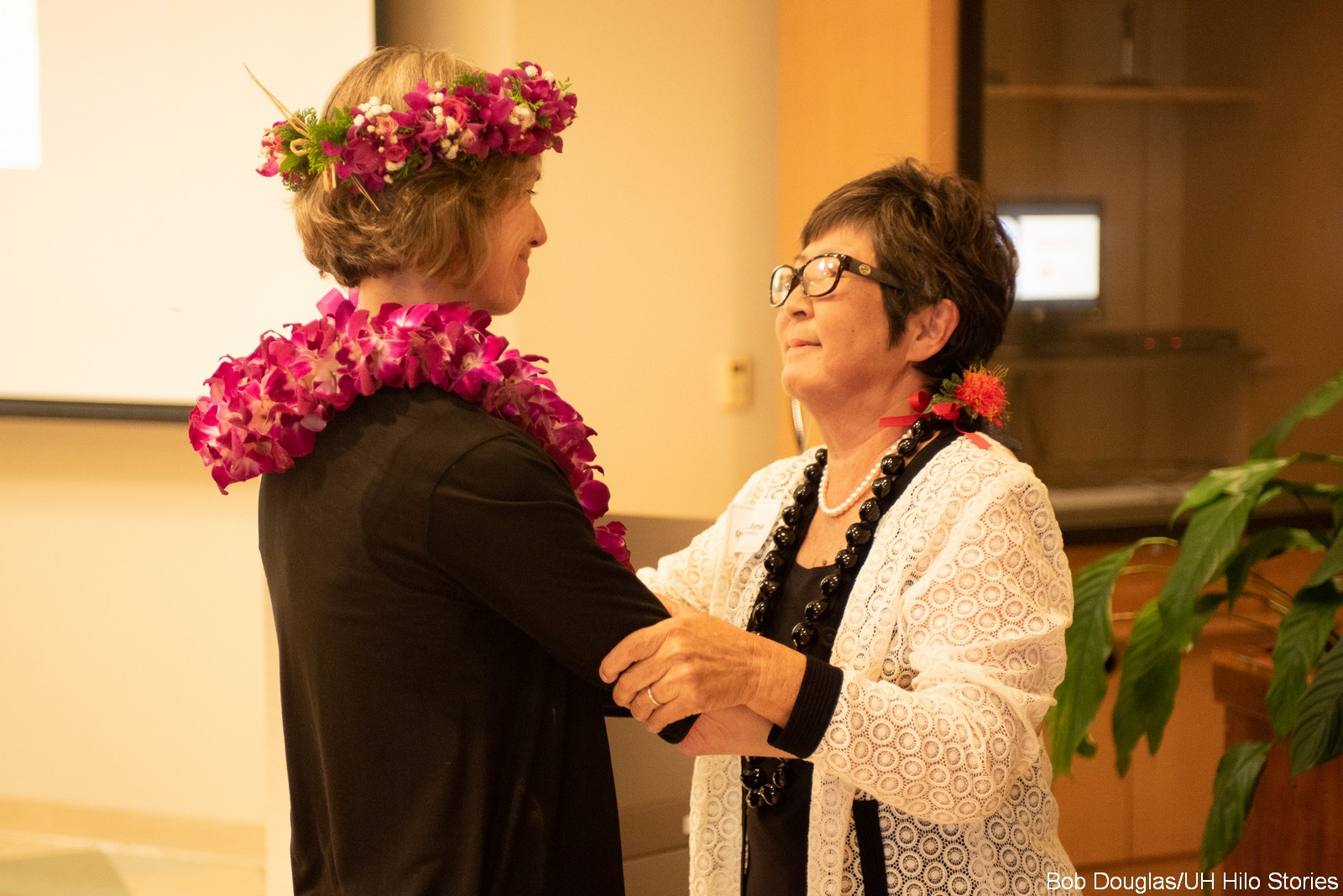 Marcia Sakai and Jennifer Doudna.
