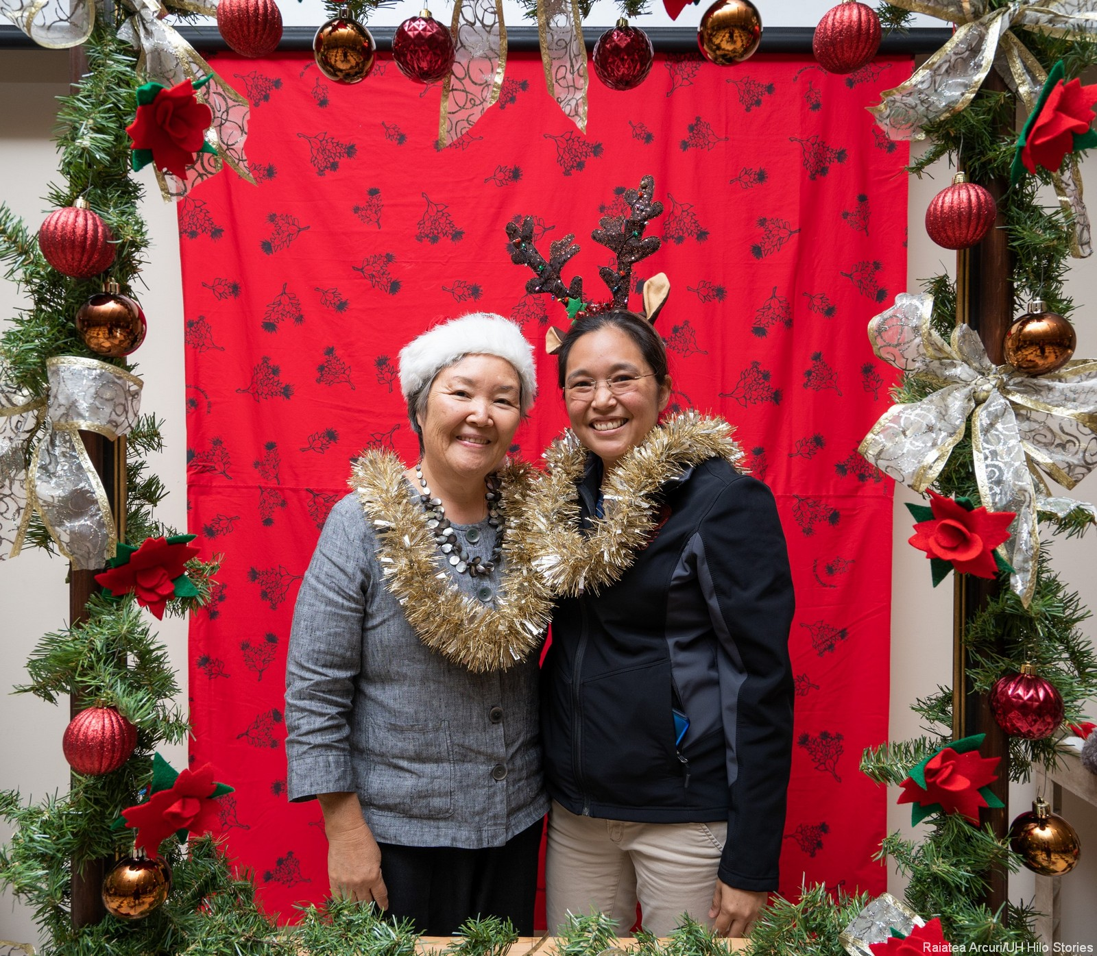 Christmas In Hawaii Party.Chancellor S Holiday Party Photo Booth Fun Uh Hilo