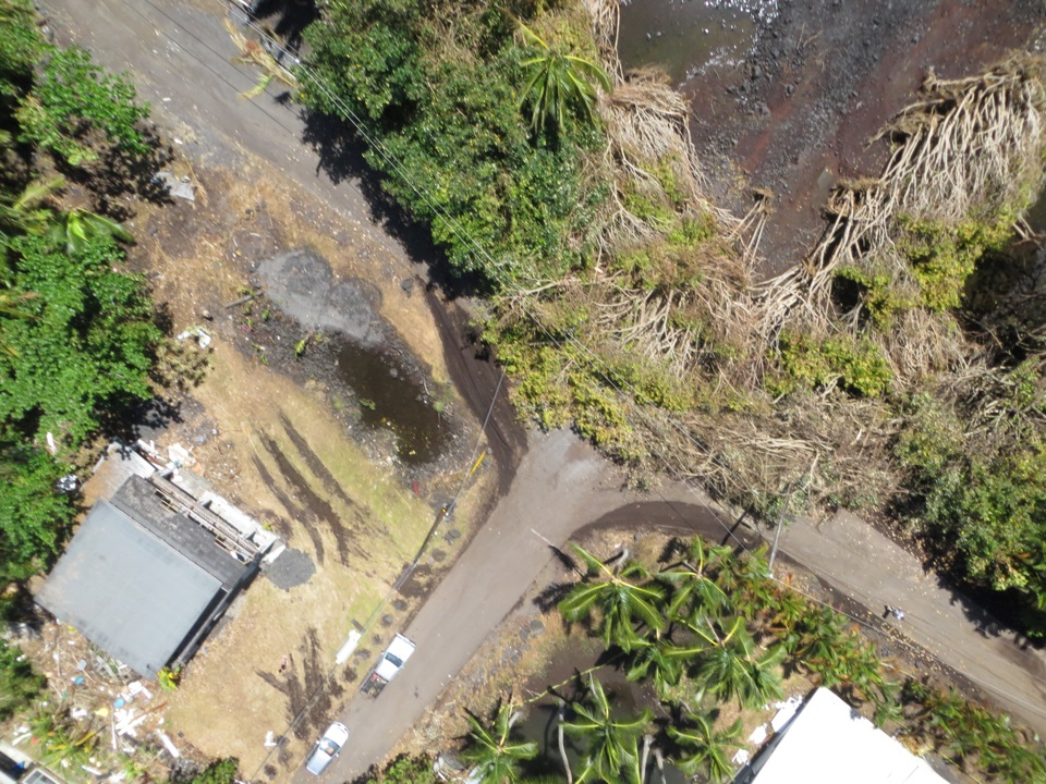 Aerial photo of fallen Albizia trees at an intersection in Puna following Iselle.