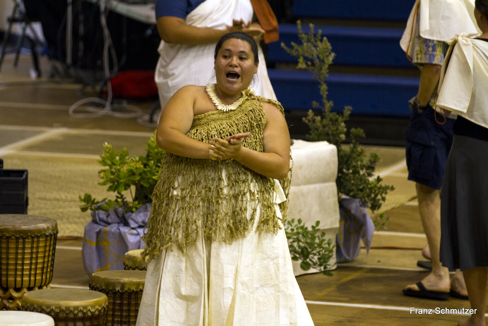 Kipaepae dancer in traditional kihei attire., chants