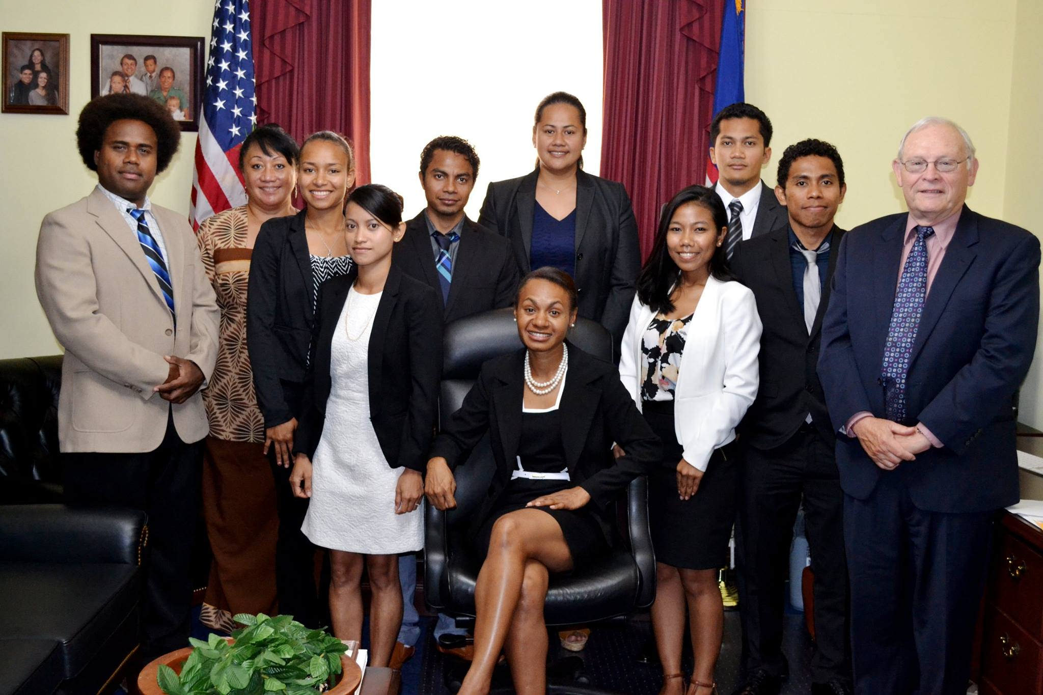 Group photo of Nellie Kati and other interns.