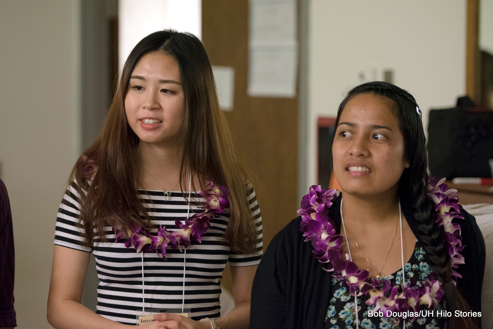 Students in lei.