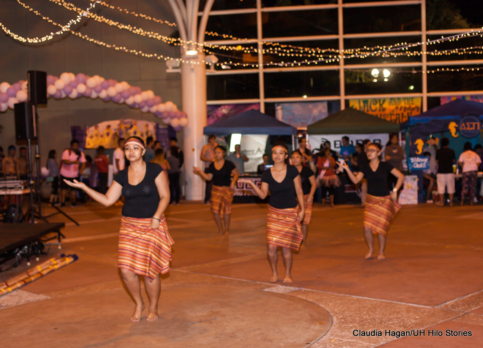 Photos 10th Annual Relay For Life Uh Hilos Only All Night Event Step 3 Weaving The Modules With Dancing Lights Ethnic