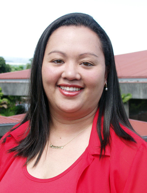 "UH Hilo Vice Chancellor Farrah-Marie Gomes honored by Pacific Business News; named to ""Women to Watch"""