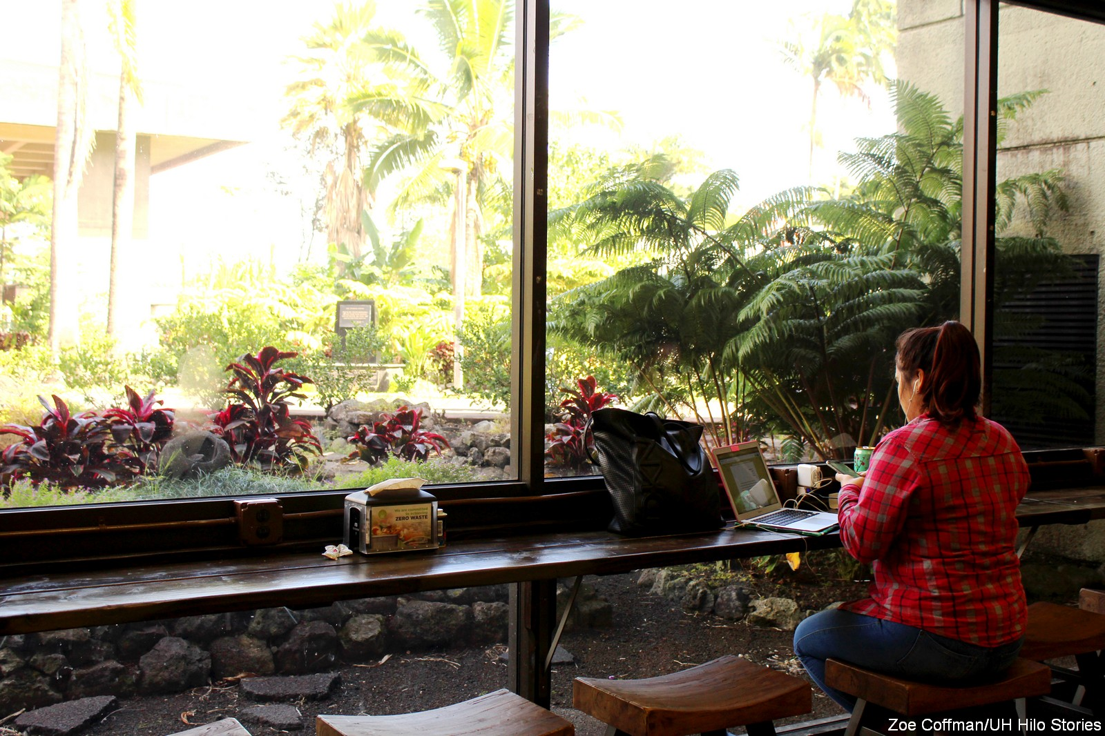 PHOTOS: UH Hilo students enjoying Dining Room transformation