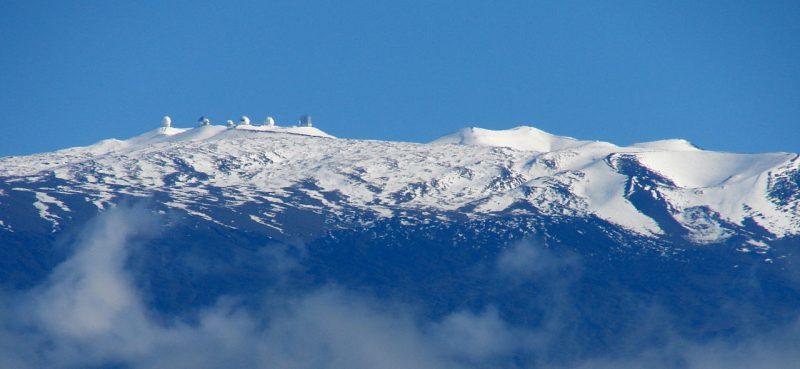 Maunakea with snow.
