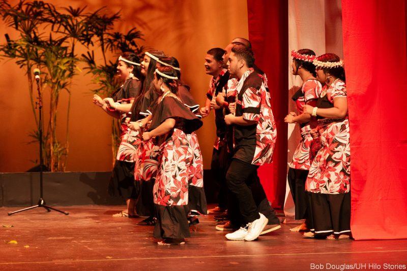 Marshallese dancers enter stage.