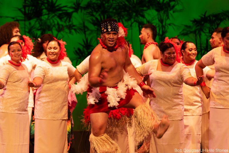 Large group of Samoan dancers.
