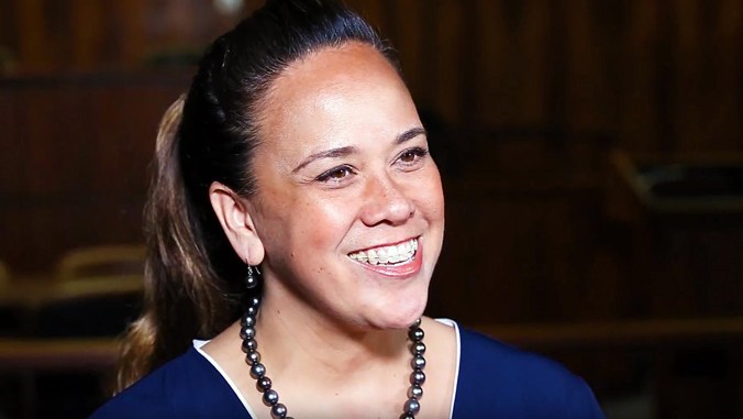 UH Hilo alumna Amy Kalili brings Hawaiian language to the forefront