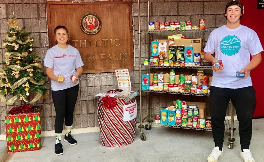 UH Hilo student-athletes help community end hunger
