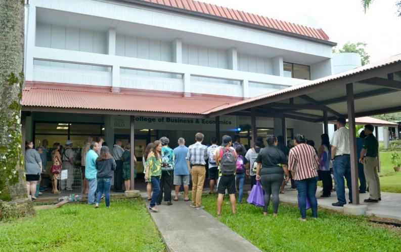 UH Hilo College of Business and Economics celebrates move into newly renovated building