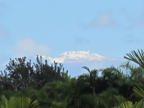 Picture of Mauna Kea with snow