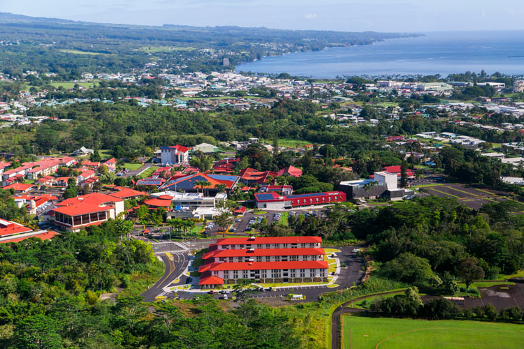 Aerial photo of the UH Hilo campus down to Hilo Bay