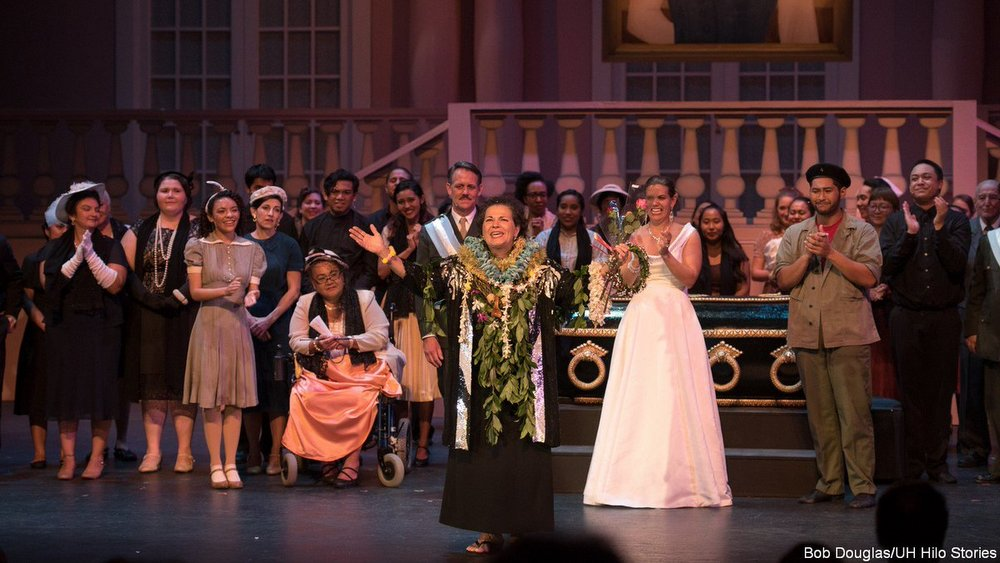 Cast applauds Jackie at the end of Evita.